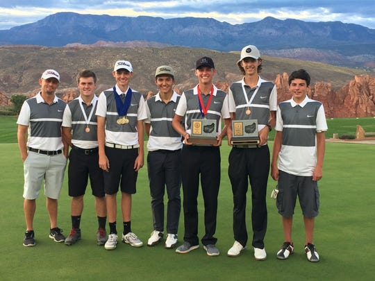 The Pine View golf team poses for a picture at Sky