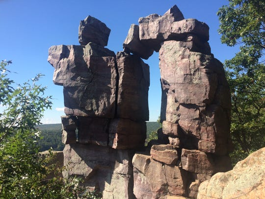 There are many interesting rock formations to see throughout