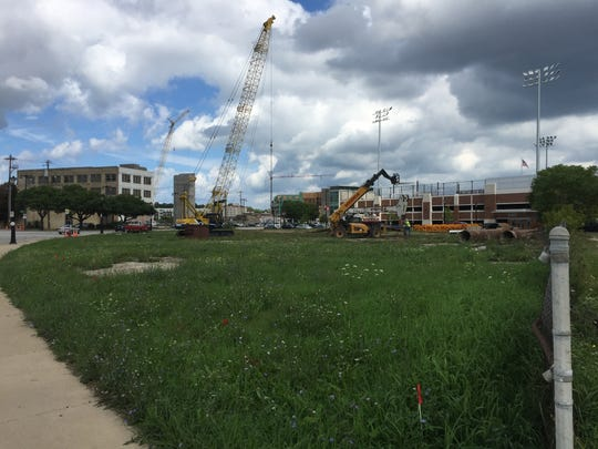 Hammes Co. is proceeding with its planned office development at E. Knapp and N. Water streets.