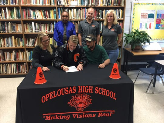 Opelousas High swimmer Coby Deville signs with Tiffin