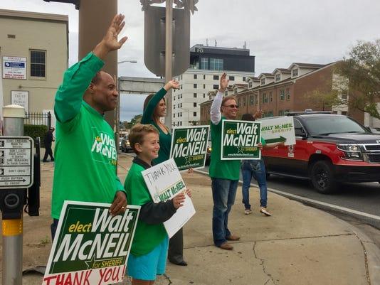 636143088600745342-walt-mcneil-waving.jpg