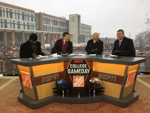 Top signs from ESPN College GameDay Week 5: Ohio St  vs  Penn St