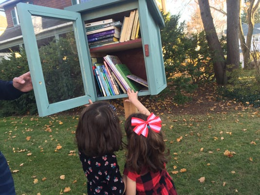 11182016-LittleLibrary-girls.JPG