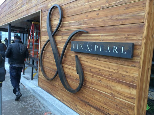 Fin & Pearl, in the Gulch, has a popular happy hour on weekdays.
