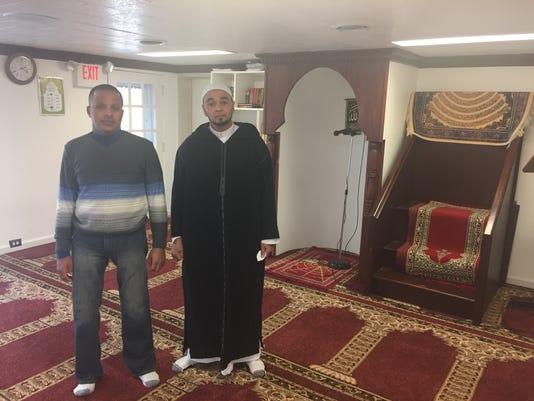 01-ldn-djw-121616-lebanon-mosque