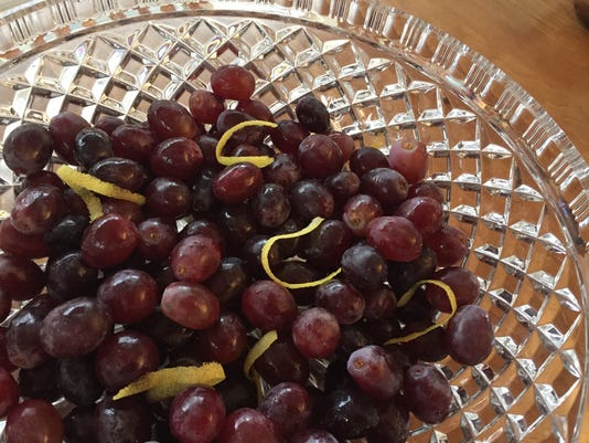 636178288251056941-Champagne-Grapes.JPG