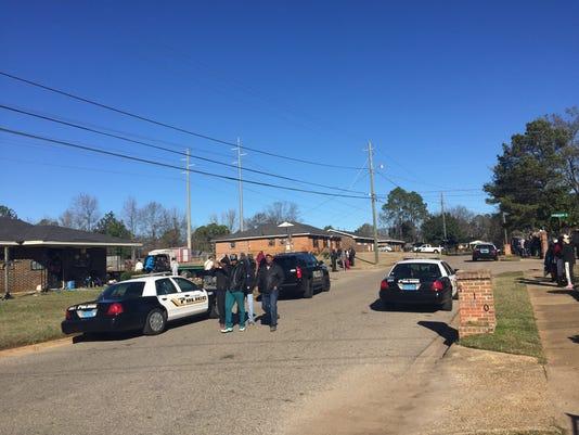 636186948923703049-Longbrook-homicide.jpg