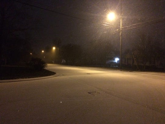 Snow in Murfreesboro on Friday, Jan. 6, 2017.