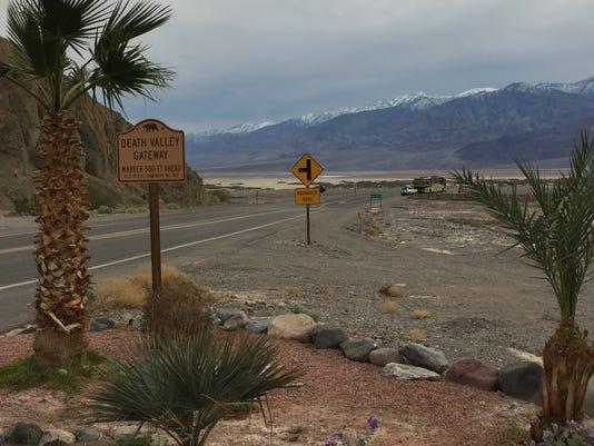 636226124689273375-Death-Valley-Gateway.jpg
