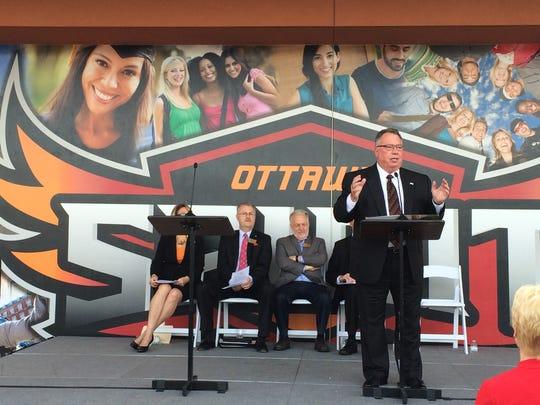 Ottawa University President Kevin Eichner announces