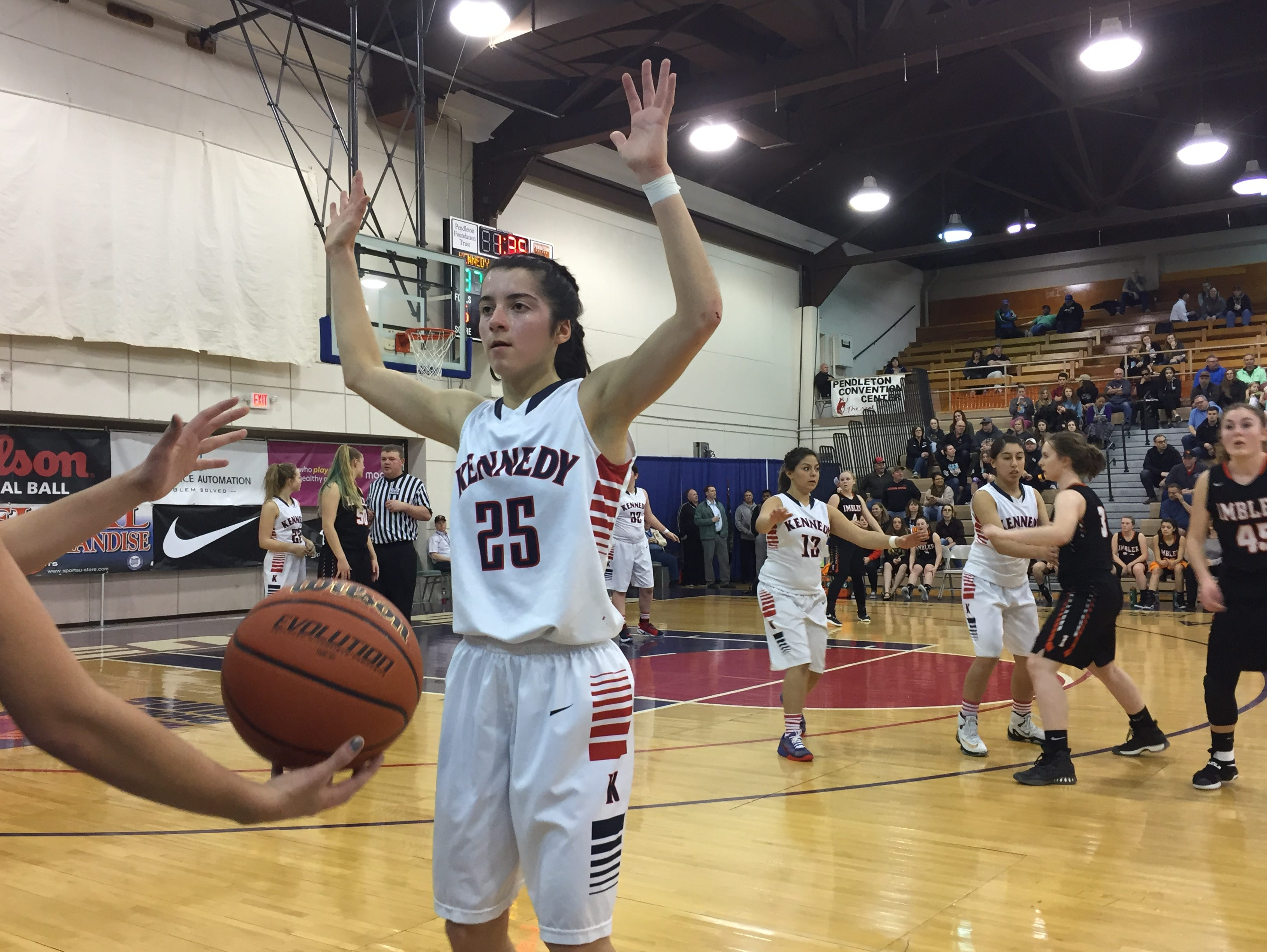 Kennedy's Kaylin Cantu had 11 points and five steals in the 2A girls third-place game victory against Imbler.