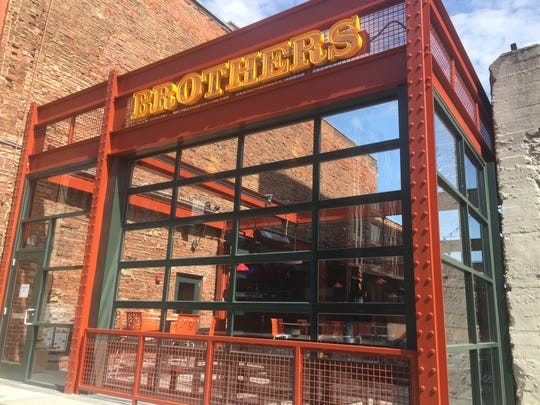 Brothers Open Air Dining In Downtown Indy