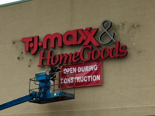 An existing TJ Maxx will combine with HomeGoods next