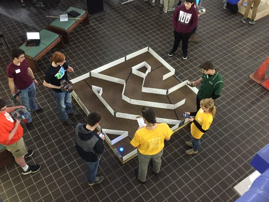 Participants in the maze challenege didn't see the