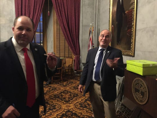 Rep. Andy Holt casts a no vote on the governor's gas