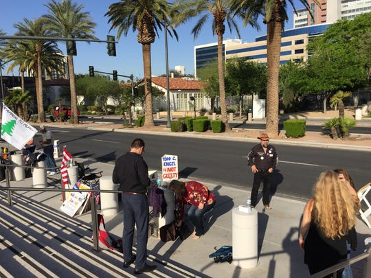 Protesters supporting Bundy Ranch trial defendants