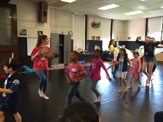 A theater game at one of a past Oaks Day Theatre Camps