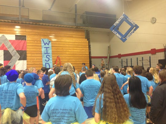 South Western High School's Minithon, which took place March 3, raised more than $70,000 for pediatric cancer research and to support families of pediatric cancer patients.