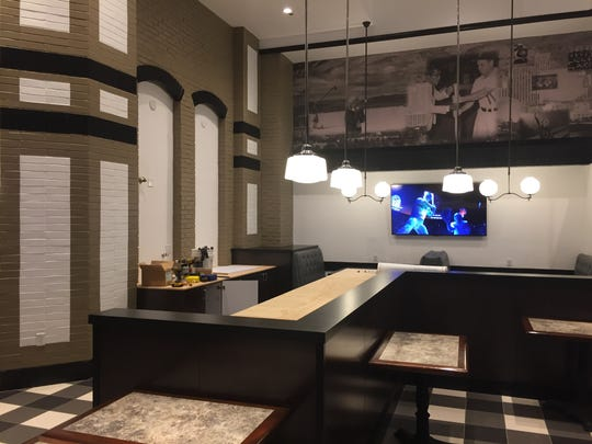 The dining room at the new Canter's Deli in the Silver Legacy feels at once retro and modern.