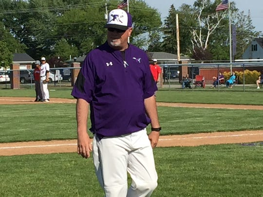 Mark King's Little Giants won his final game at the helm.