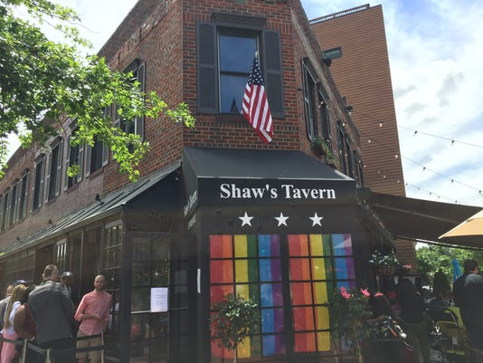 636325216984313616-shaws-outside.jpg