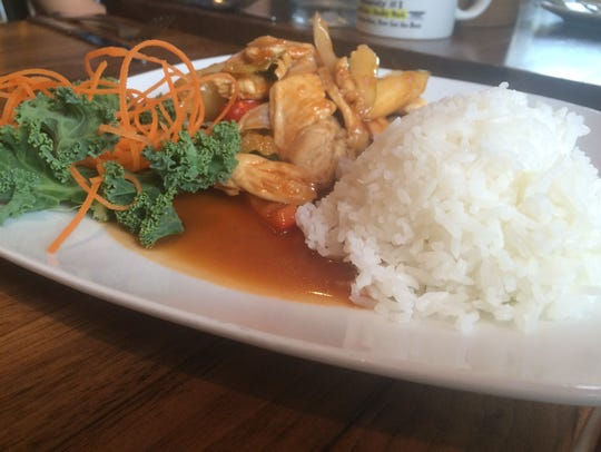 The sweet and sour chicken lunch special at Thai Thai