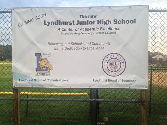 The junior high school for grades 7-9 construction