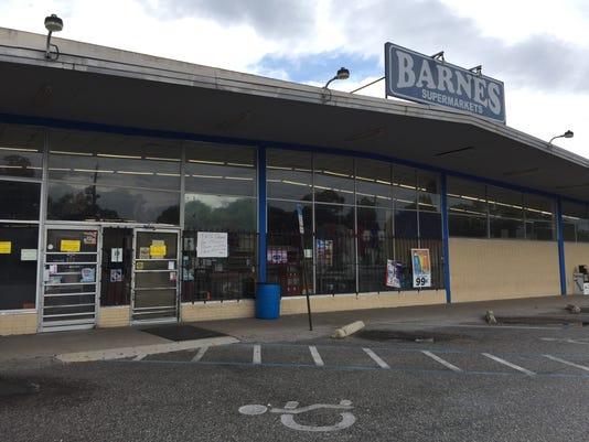 Barnes Supermarket on North Ninth Avenue closes