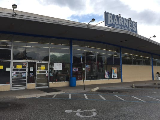 Barnes Supermarket on North Ninth Avenue closes