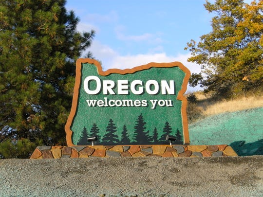 A welcome sign at the southern Oregon border.
