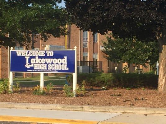 636395104616215297-Lakewood-High-School-stock-photo.jpg