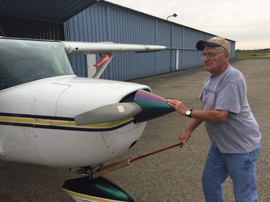 01 LAN Oldest Pilot 0904