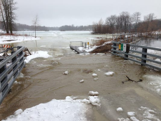 636402954898625878-Silver-flooding-2013.JPG