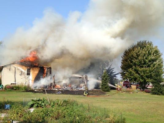 636409875449004564-Kronenwetter-fire.jpg