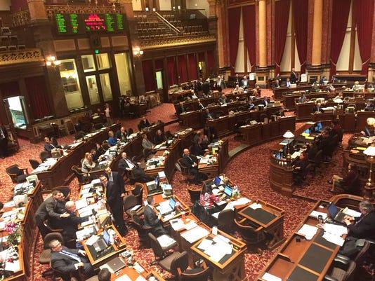 636410688496956006-The-Iowa-Senate-March-1-2017.jpg