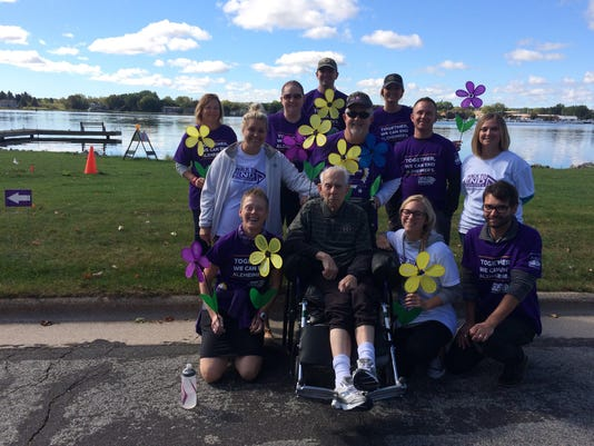 636425493235248461-Team-Alzheimer-s-walk.jpg