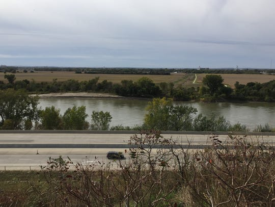 Interstate 29 near Sioux City, Iowa, separates the