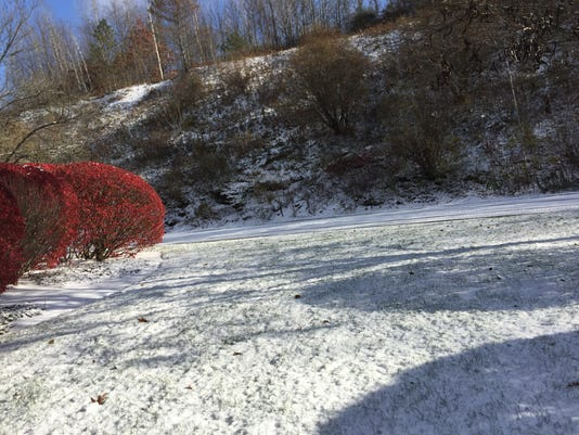 636459046636307973-Snow2-11102017.JPG