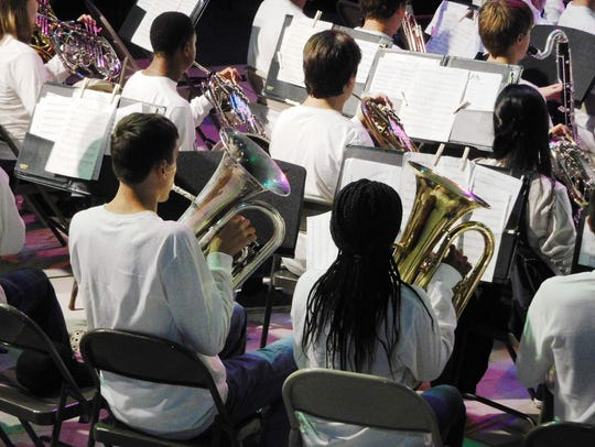 Lincoln music students performed patriotic standards