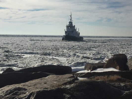 636511935511806922-Tug-icebreaking-2018.JPG