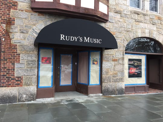 Image of the awning at Rudy's Music in Scarsdale.