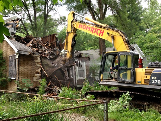 636556086633306463-IMG-demolition-1-1-VOFE1HLN.jpg
