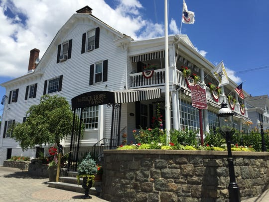 The Black Horse Pub in Mendham will host a buffet brunch with the Easter Bunny on Easter Sunday.