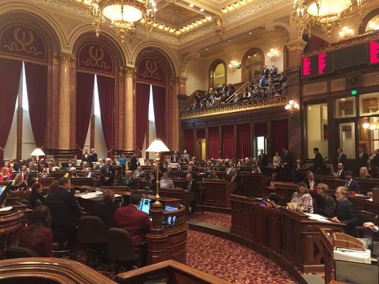 636570533987097216-Iowa-Senate-opening-day-Jan.-9-2017.jpg