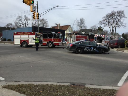Crash closes Griswold Street in Port Huron