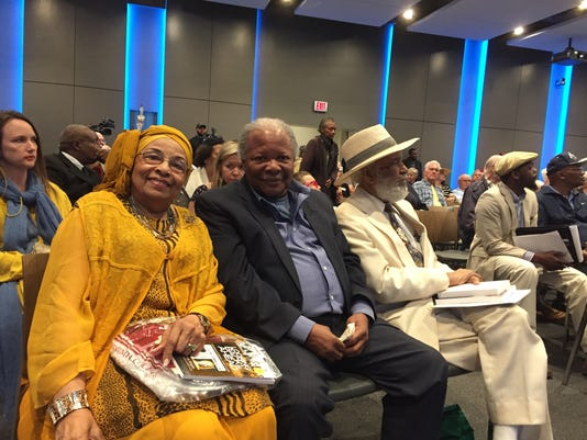 636584564703860649-Flonzie-Wright-Brown-Charles-McLaurin-and-James-Meredith.jpg