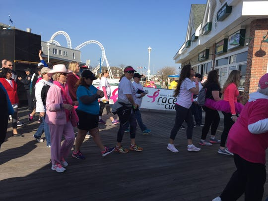 Walkers begin their trek at the 7th Annual Susan G.