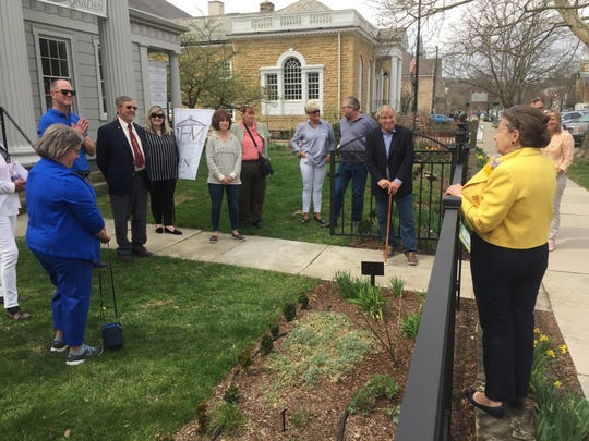 """""""Garden Day"""" at Robbins Hunter Museum saw an American Daffodil Society recognition of the museum."""