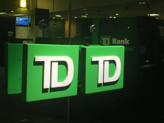 TD Bank has announced it will make a one-time payment and give additional vacation days to eligible employees who work at its offices during the coronavirus crisis.