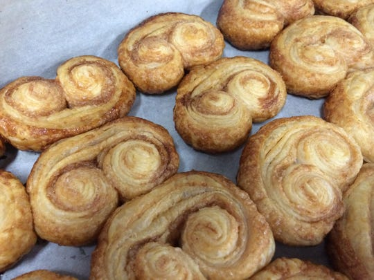 Delicious oznei peel, also known as elephant ears, are made with cinnamon sugar.